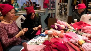 Chicago Knitters Make Hundreds Of Pink Pussyhats For Women's March