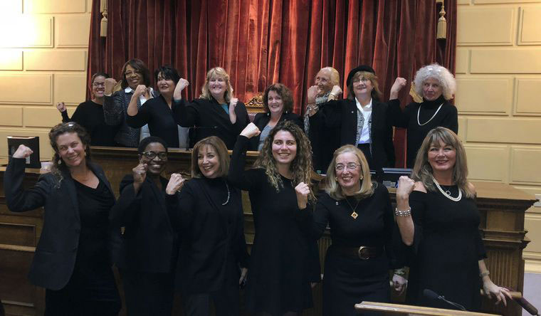 Democrat women will wear all black to the State of the Union, stirring debate over fashion protests